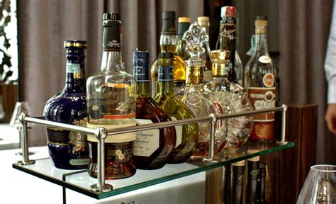 Learn How to Set Up Your Home Bar at Franklin Mortgage