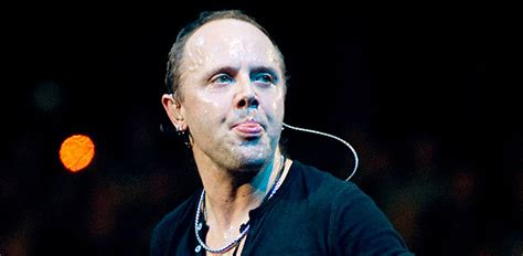 9 Photos Of Lars Ulrich Kissing Other Members of METALLICA