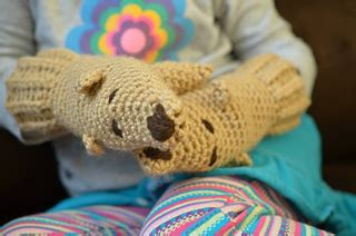 Ravelry: Paw Pals Mittens for 2-3 year olds pattern by