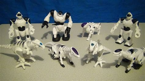 MCDONALD'S HAPPY MEAL WOW WEE ROBOTICS 2005 TOY COLLECTION